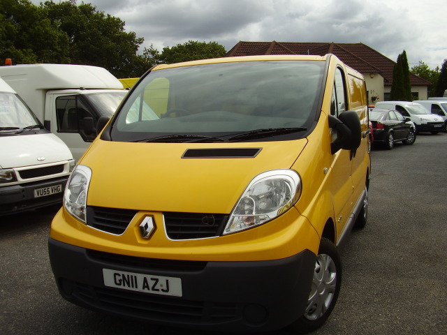 2011 RENAULT TRAFIC SL29 DCi 115 £5,950.00 AA direct, service history, 91,000 miles